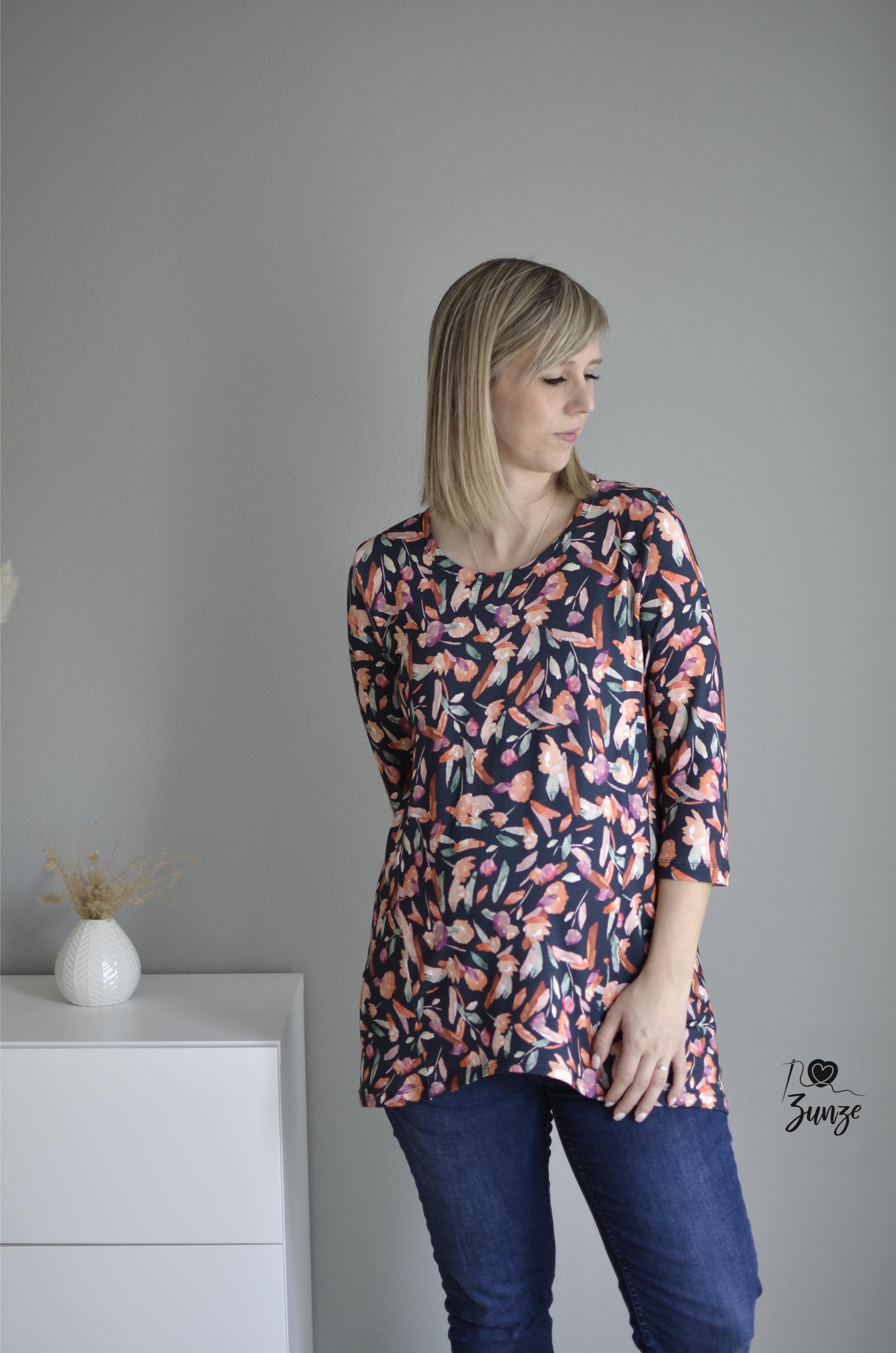 Stoffcrew Box - Shirt Ava Viskosejersey Blumen auf Schwarz Gr.34-50